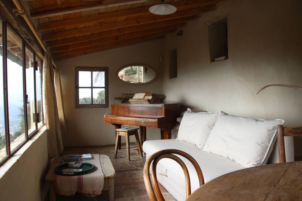 Les Lavandes Le Mas Les Figuiers : le Salon et sa vue d'exception sur le Lubéron