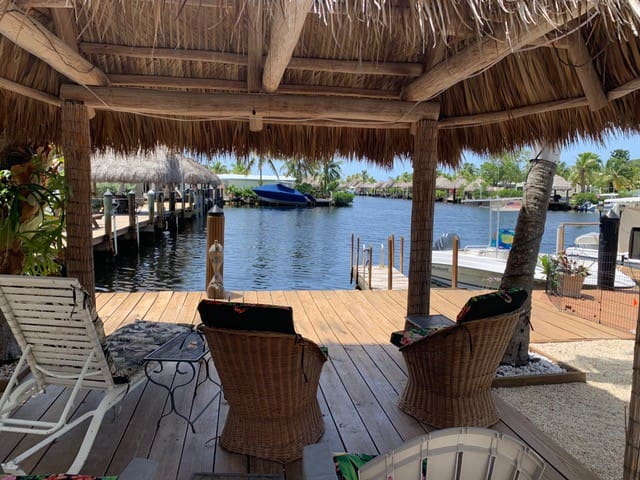 Tiny house on the water. Pool, beach, dock