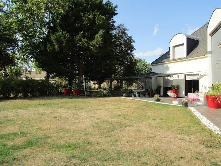 Villa du golf, écrin de verdure à 11 km de Reims