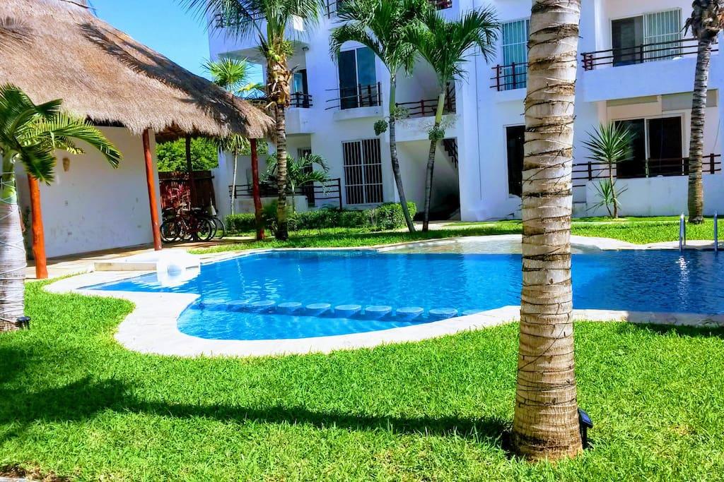 Villa dans complexe avec piscine maisons louer tulum for Complexe piscine