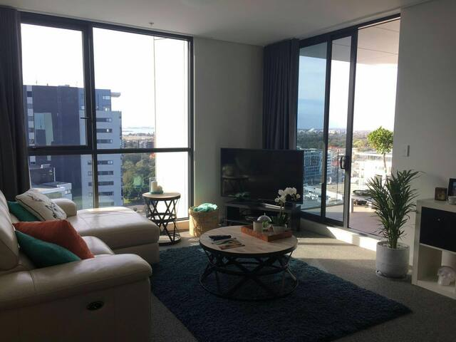 Brand new penthouse with views - Wolli Creek - Lägenhet