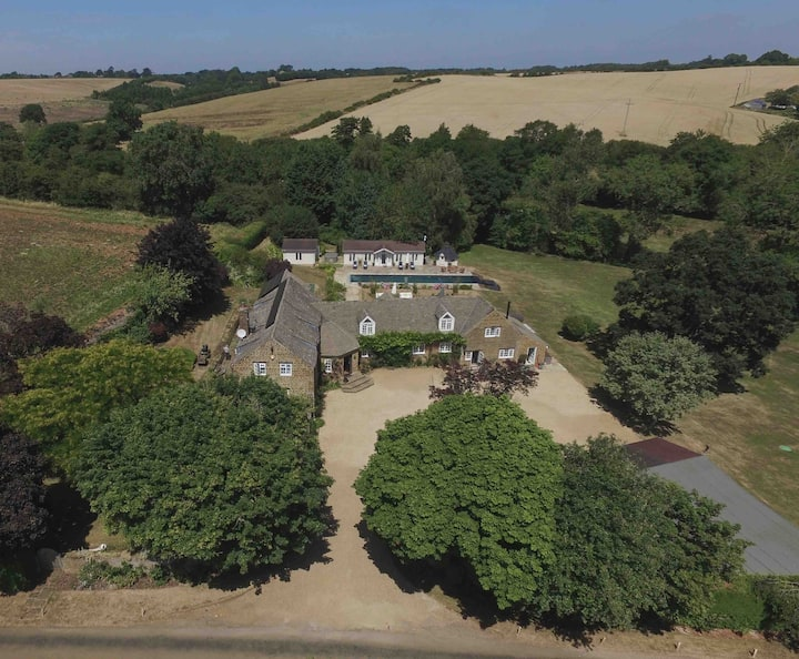 Beggars Barn, luxury 10 bedrooms, pool, hot tub