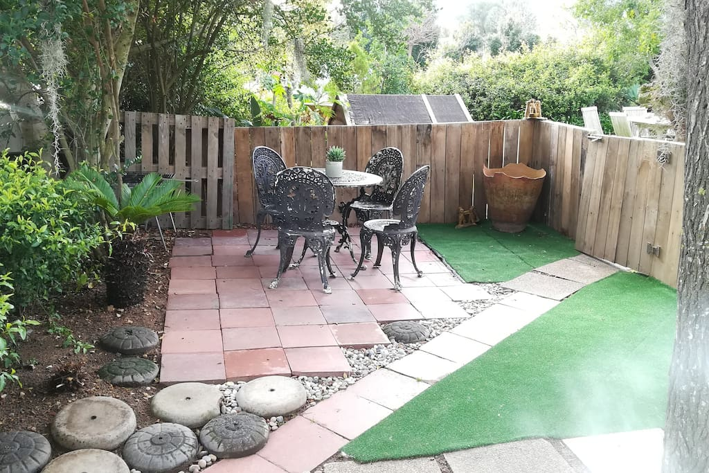 Private garden with BBQ area