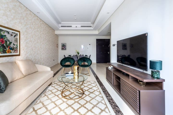 Sophisticated 2BR Loft w/ Study in Downtown Dubai!