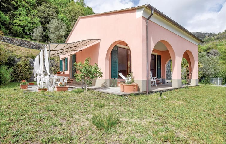 Holiday cottage with 2 bedrooms on 100m² in Bonassola