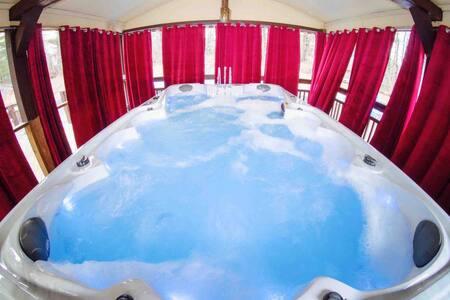 LONG TERM DISCOUNTS Pool HotTub Sauna Camelback