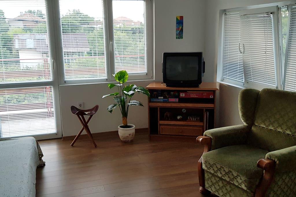 Cosy upstairs lounge with balkony Gemütliches Wohnzimmer mit Balkon