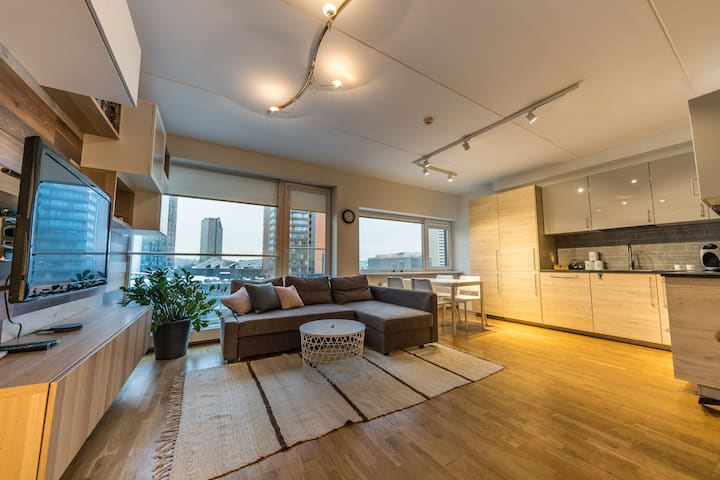 GREAT VIEW Two-Storey Apartment in Skyscraper Area