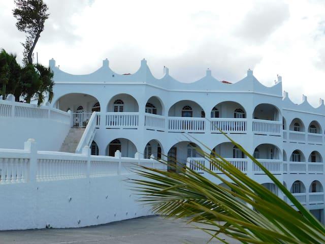 Island Castle Room 2