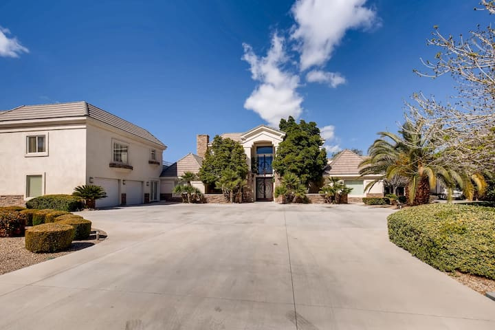 CUSTOM 7000sf ENTERTAINERS DREAM HOME ON 1-ACRE