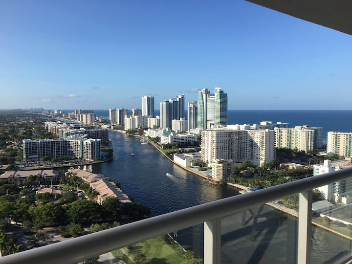 Beachwalk aptmt, Fully Equipped, Great view, Pool!