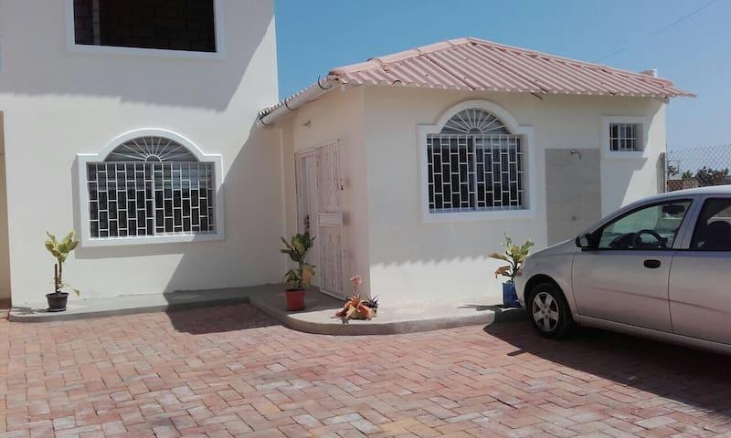 Hermosa y cómoda suite - Punta Blanca