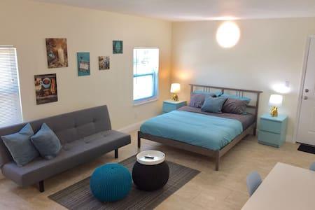 XL 5 stars  studio apartment #205