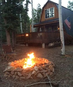 Cozy and Rustic Mountain Cabin in Duck Creek