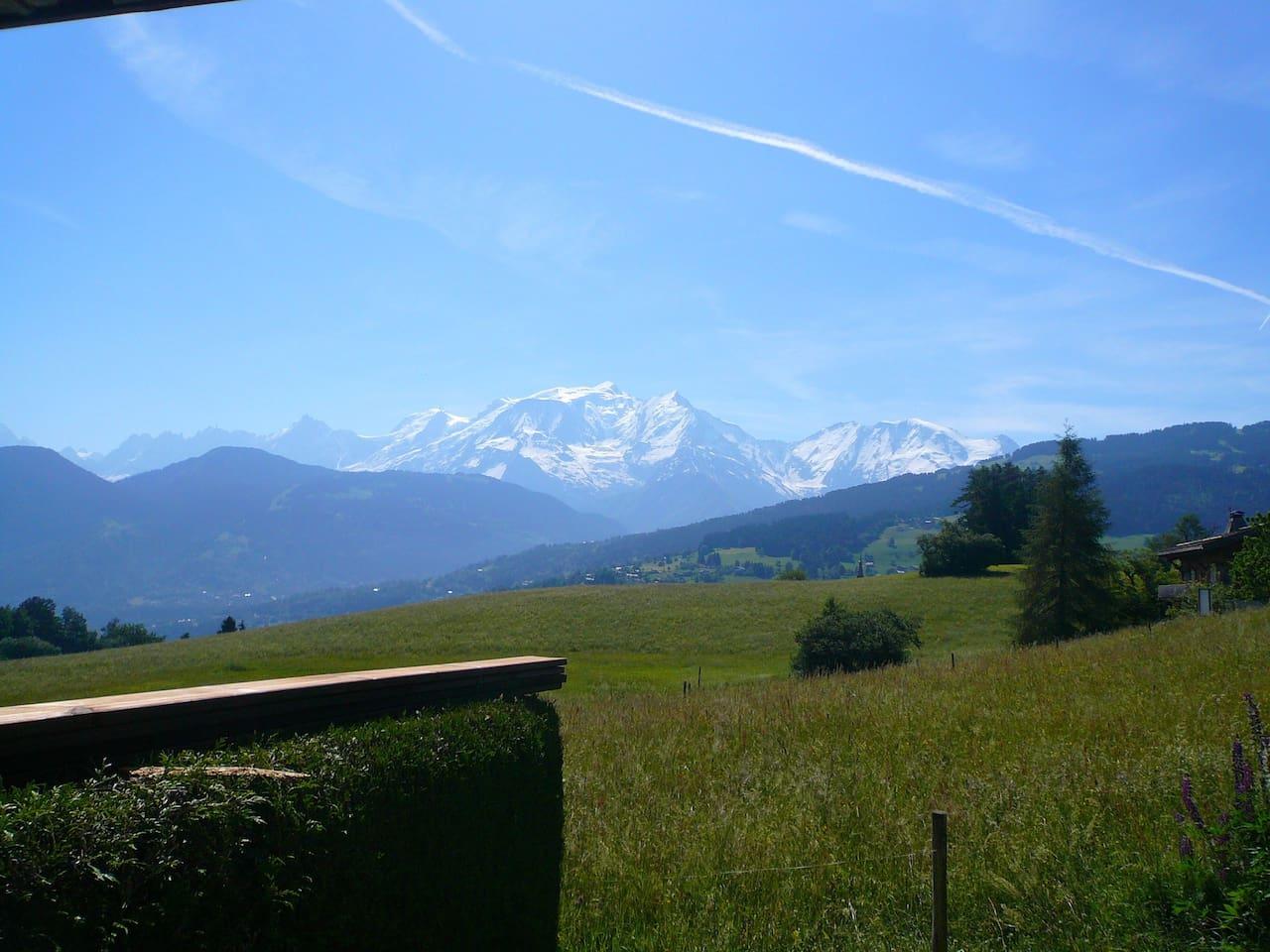 Enjoy this gorgeous location near the Mont Blanc!