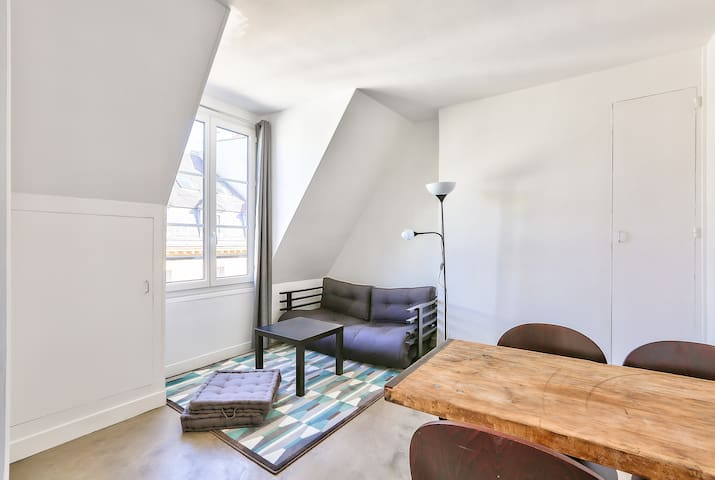 Amazing Flat In Central Paris: Heart Of Le Marais