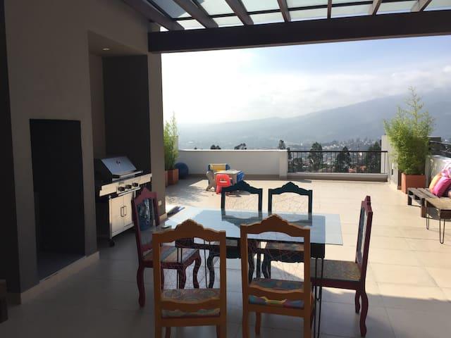 BEAUTIFUL ROOM IN QUITO - Quito - Byt