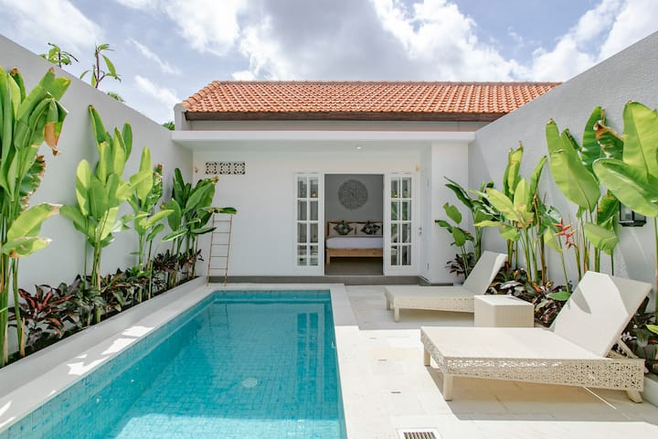 Relaxing Tropical Home | Casa Zahara Seminyak