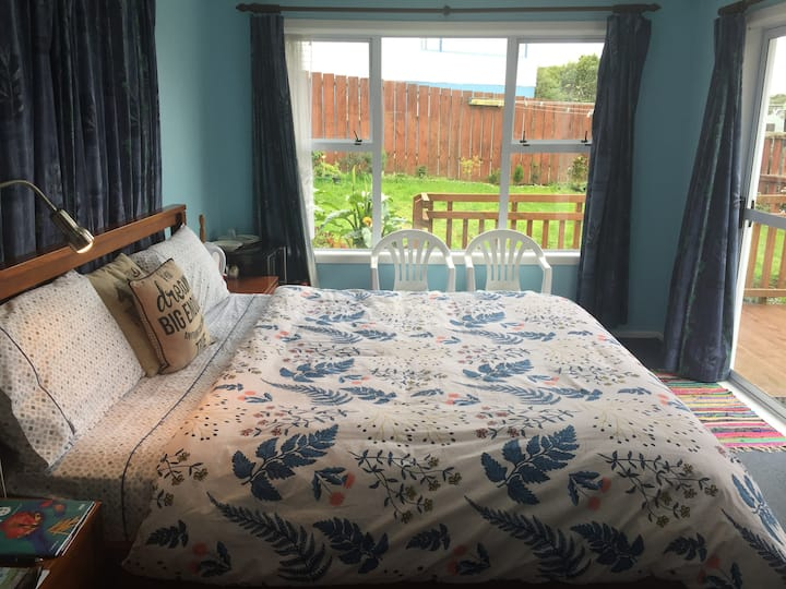 Homely Stay, Own Entrance, Private Bath, Pick/Drop