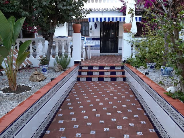 Holiday Home Mi Casa with Wi-Fi, Garden, Terrace & Shared Pool
