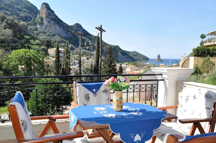 Rooftop 1 bedroom apartment w sea views A. Gordios
