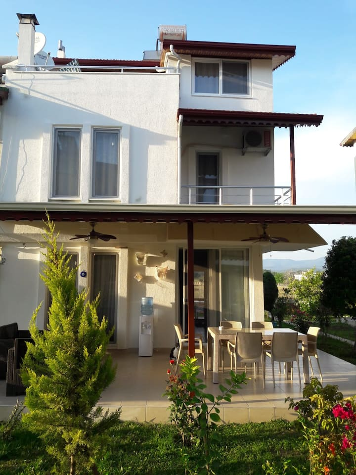 Triblex Villa 300 meters  by walk to the sea .