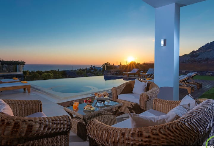 Luxury IRIDA VILLA in Koutouloufary, Hersonissos