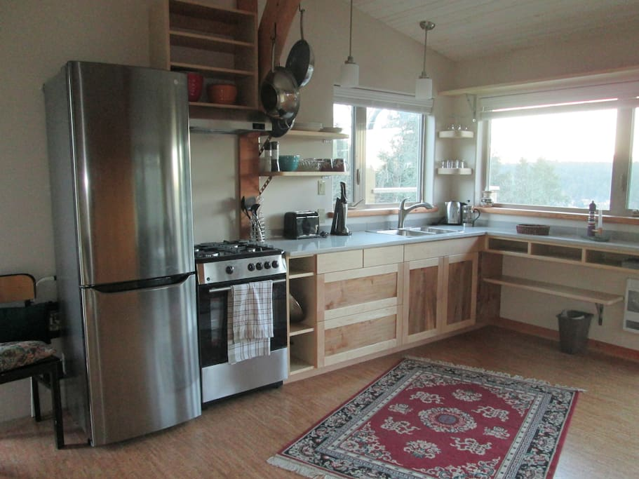 Fully equipped kitchenette - stainless w. marble counters