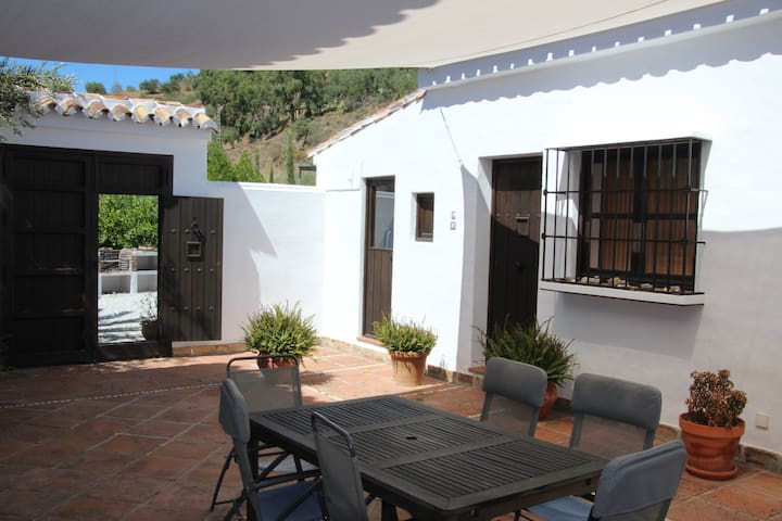 Cortijo La Cepa, El Sol - Riogordo - Apartament