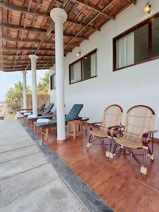 Cherai Onetree-Premium SeaView Room - Vypin - Bed & Breakfast