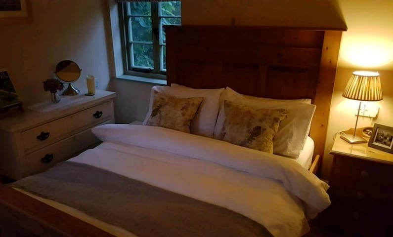 Dairy Cottage B&B  Perfect for Business & Pleasure