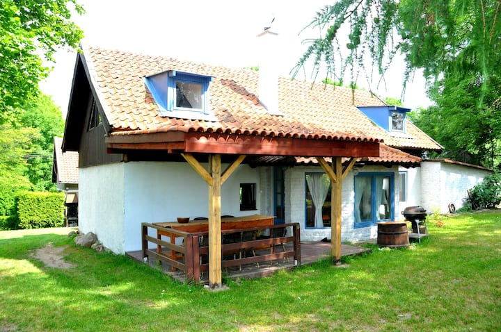 Domek nad jeziorem z prywatnym pomostem, Mazury