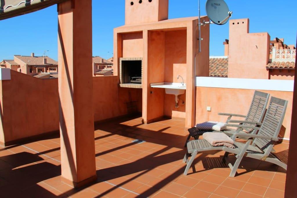 Kom genieten van ons enorme privé zonneterras!