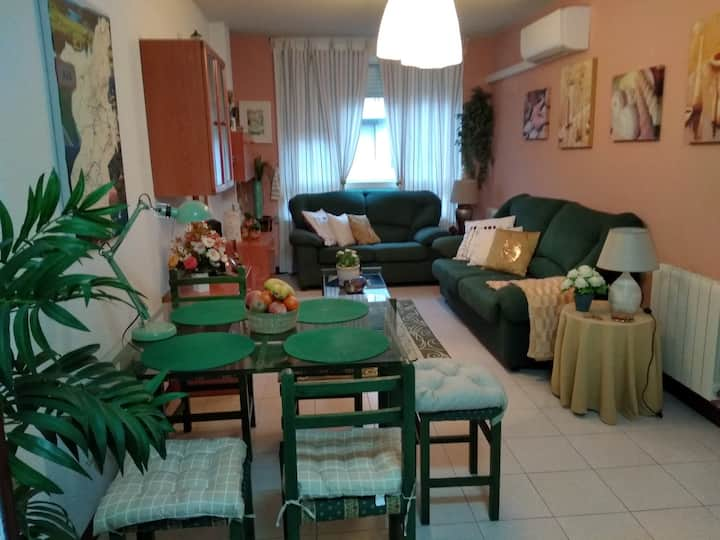 CÉNTRICO , PARKING, WIFI, PISCINA, TENIS, PLAYA