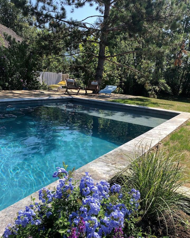 Belle propriété avec piscine privée, tyrolienne...