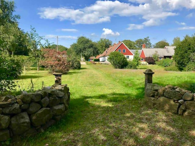 Stay at a nice quiet farm in St. Olof, Österlen