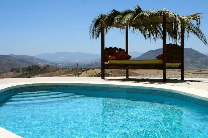 Villa with private pool and beautiful view