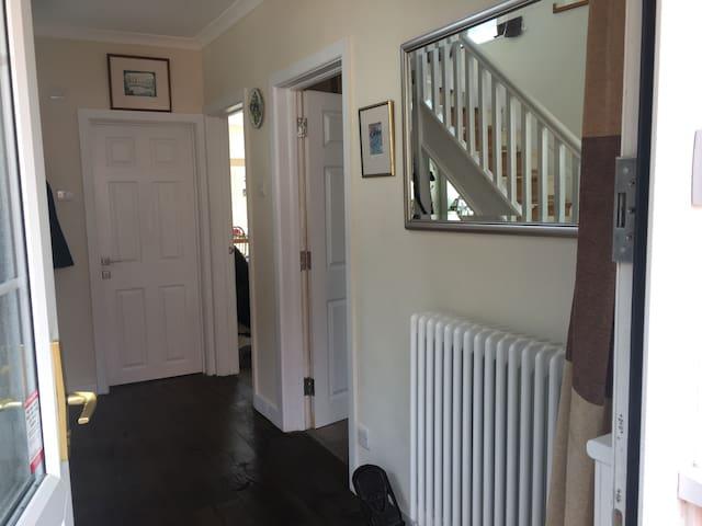 Double/twin room a great location - Maidenhead - Casa