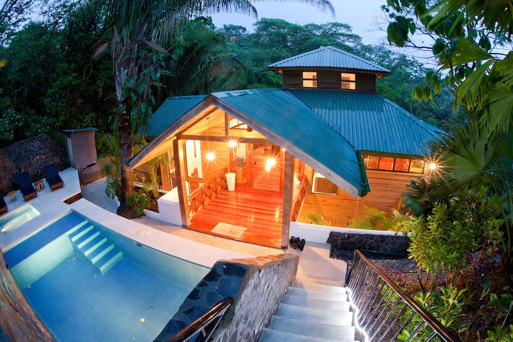 Bali tree house manuel antonio houses for rent in for Costa rica tree house rental