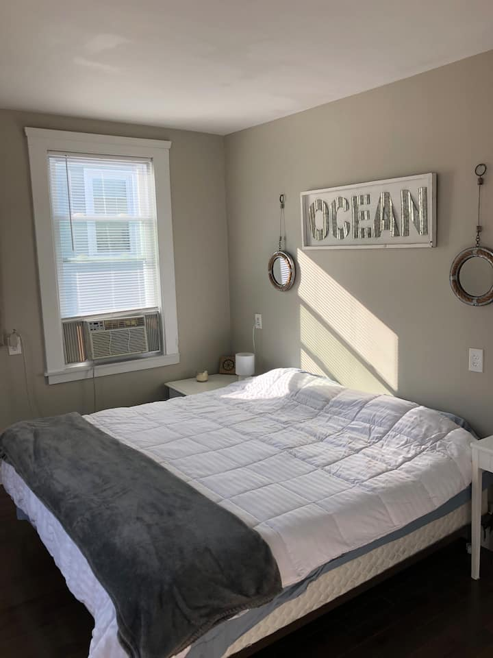 Weekly specials! New large renovated 2 bedroom
