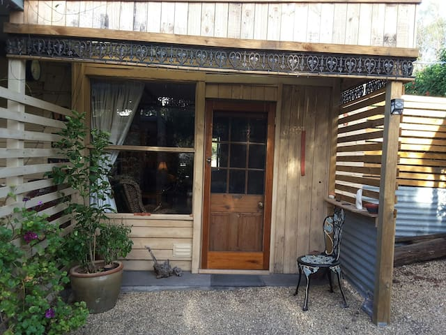 The Old Workshop room - Murray bridge  - Bed & Breakfast
