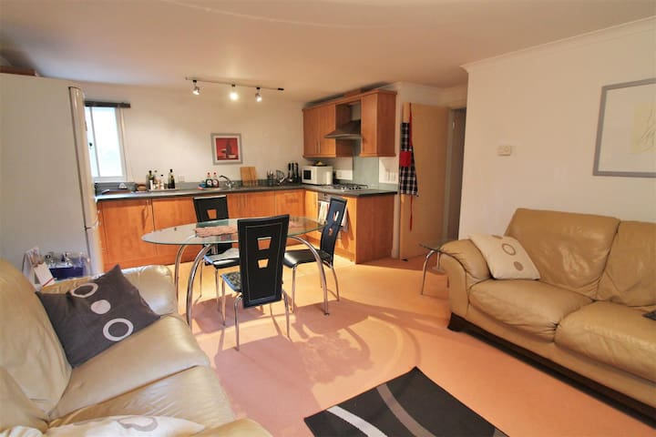 Double room, Ensuite, shared Living and kitchen