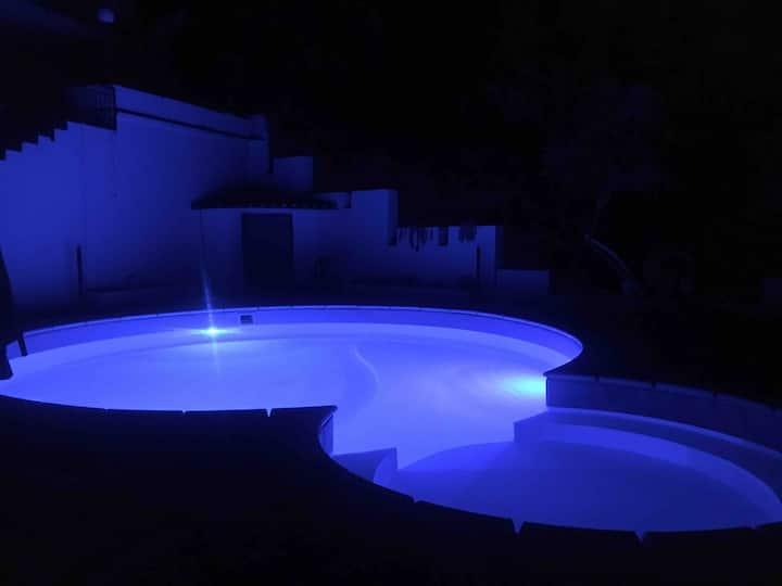 Luxury villa with swimmingpool