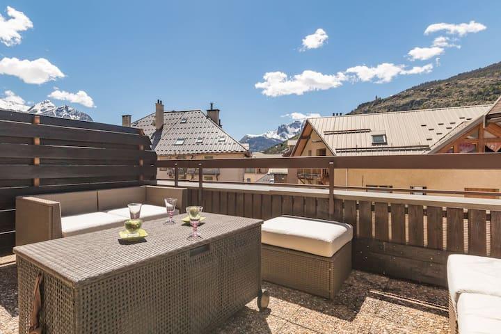 Joli studio avec terrasse au coeur de Briançon
