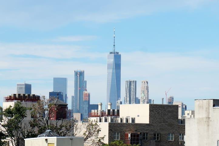 Brooklyn Resort with Manhattan Skyline Views!