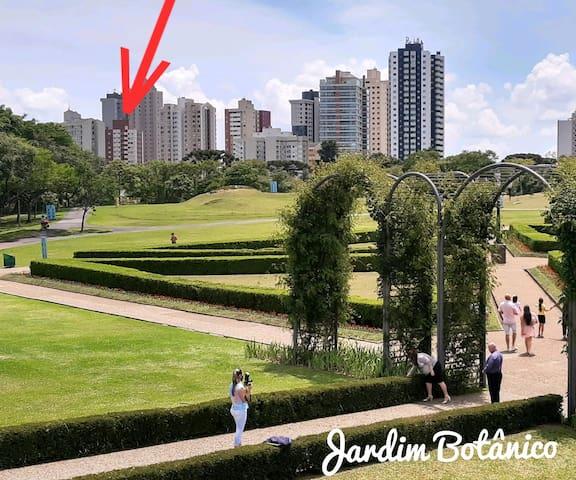 Suíte com vista para o Jardim Botânico