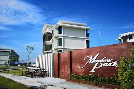 The Meadow Park, Homestay@ Kampar, Perak