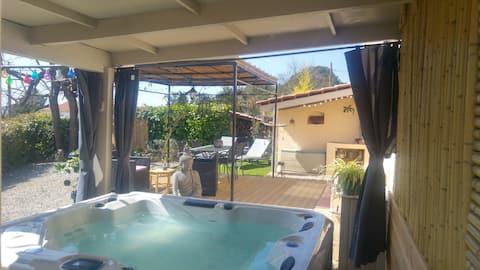 Собственная гидромассажная ванна/бассейн Gite LAPAZ