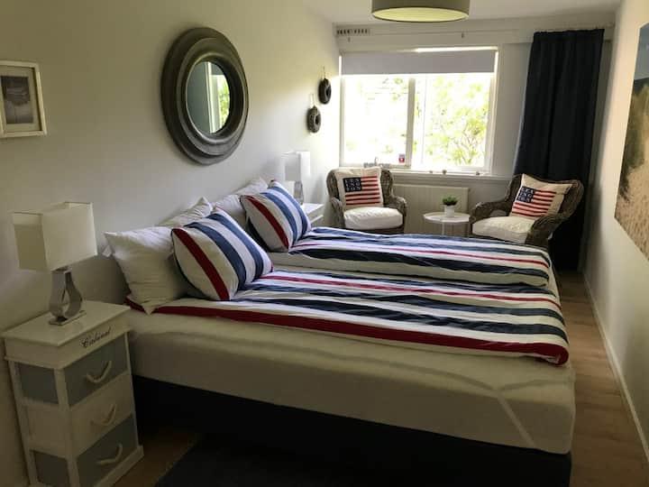 Charmerende og hyggeligt dobbeltværelse i Hornbæk