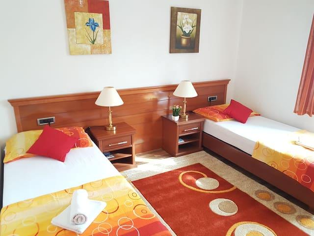 Rooms Tunovic 1